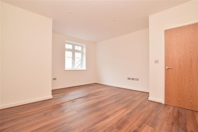 Thumbnail Flat for sale in Russell Hill, Purley, Surrey