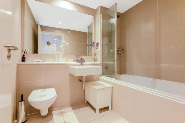 Bathroom of Ingram Street, Merchant City, Glasgow, Lanarkshire G1