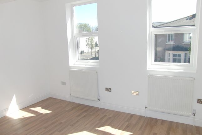 Thumbnail End terrace house for sale in Buckingham Road, Stratford