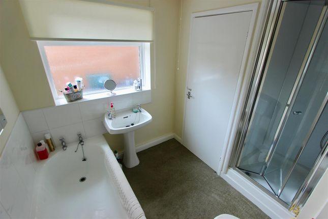 Bathroom of Harcourt Street, Darlington DL3