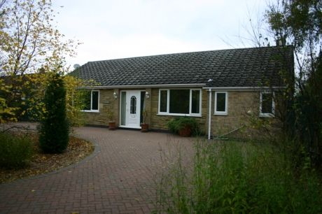 3 bed bungalow for sale in Burnham Road, Owston Ferry, Doncaster