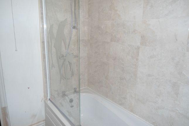 Shower of Westgate, Rotherham S60