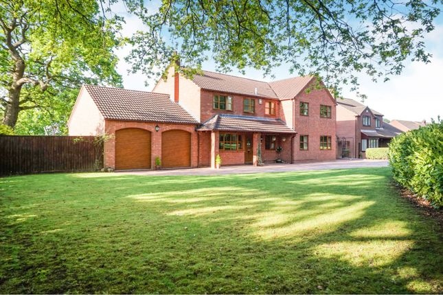 Thumbnail Detached house for sale in Oaktree House, Shawbirch, Telford