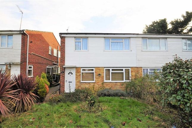 Thumbnail Maisonette for sale in Milford Close, London
