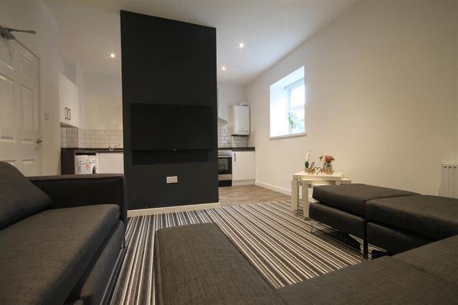 Thumbnail Maisonette to rent in Westgate Road, Fenham, Newcastle Upon Tyne