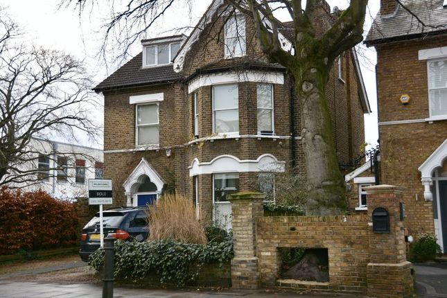 Thumbnail Flat for sale in Mortlake Road, Kew, Richmond