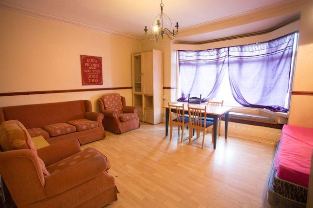 3 bed triplex to rent in Hagley Road, Birmingham