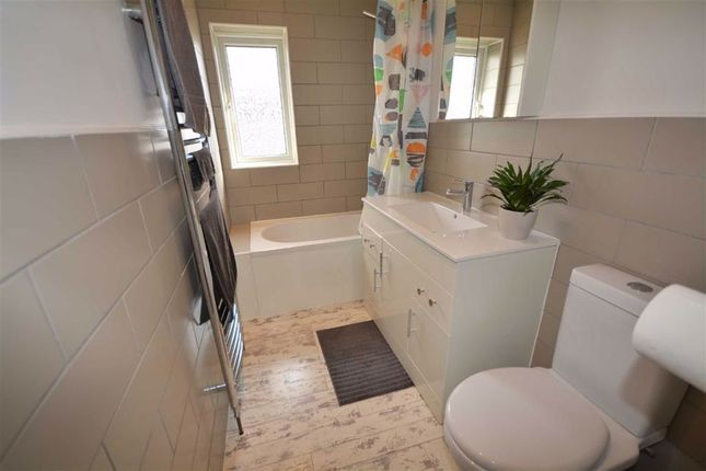 Family Bathroom of Orchard Head Crescent, Pontefract WF8