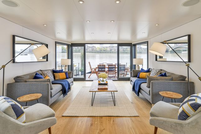 Thumbnail Houseboat for sale in Cheyne Walk, Chelsea