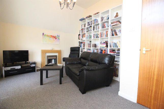 Living Room of Rosedale Mansions, Boulevard, Hull HU3