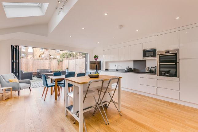 Thumbnail Terraced house to rent in Cicada Road, Wandsworth