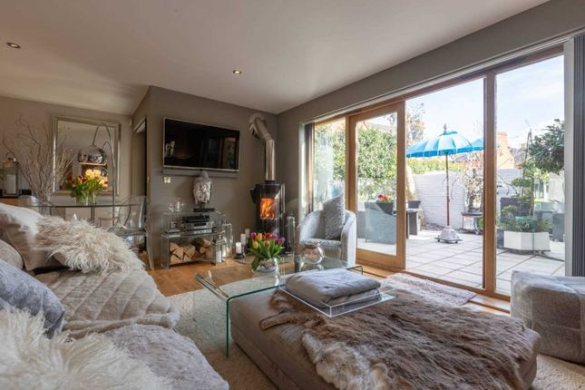 Thumbnail Town house to rent in Queen Street, Henley On Thames