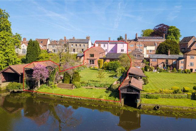 Thumbnail Detached house for sale in Northgate, Beccles, Suffolk