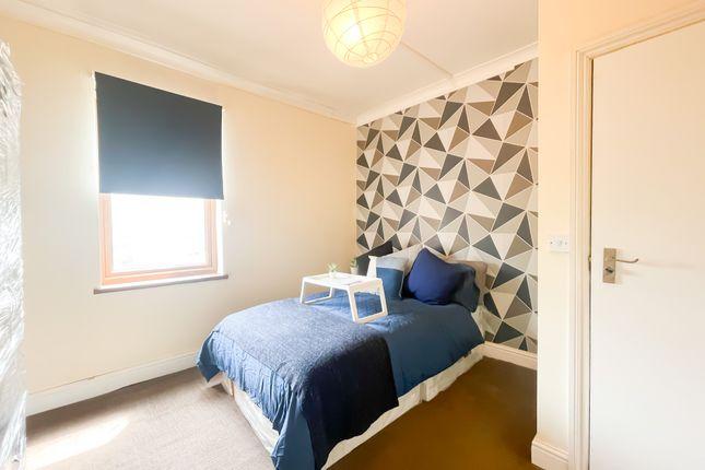 Thumbnail Room to rent in Elgin Road, London, London