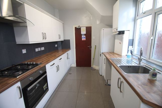 Thumbnail Semi-detached house to rent in Dawley Road, Hayes