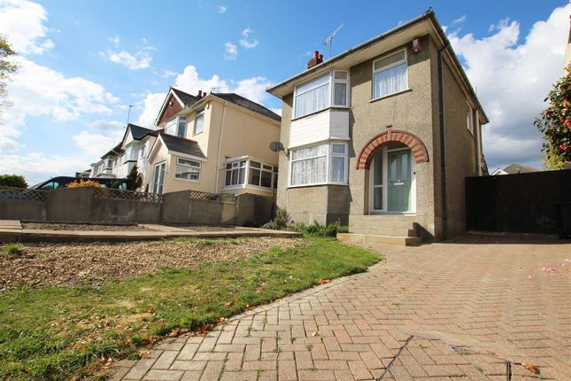 3 bed detached house to rent in Playfields Drive, Parkstone, Poole BH12