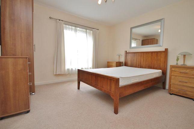 Thumbnail Flat to rent in Oriental Road, Woking, Surrey
