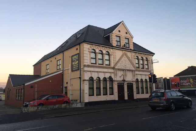 Thumbnail Flat to rent in Corporation Road, Newport