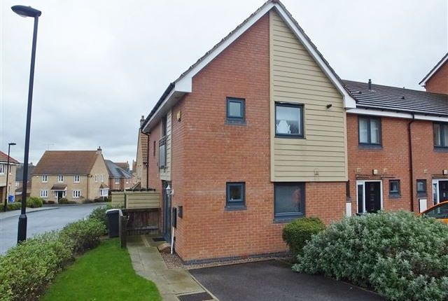 Thumbnail Town house to rent in Oxclose Park Rise, Sheffield