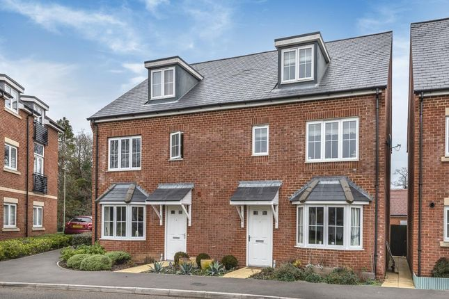 Thumbnail Town house for sale in Almswood Road, Tadley
