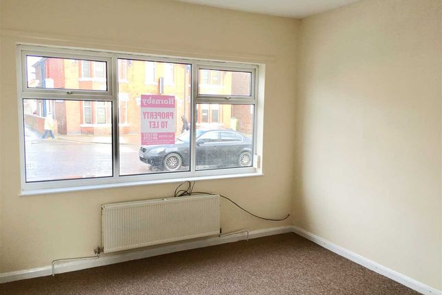 Thumbnail Terraced house to rent in Doncaster Road, Scunthorpe