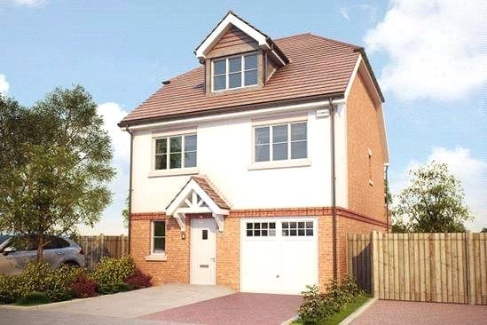 Thumbnail Detached house for sale in Bagshot Road, Knaphill, Surrey GU212Rn