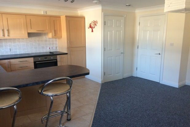 Thumbnail Maisonette to rent in Queen Street, Seaton