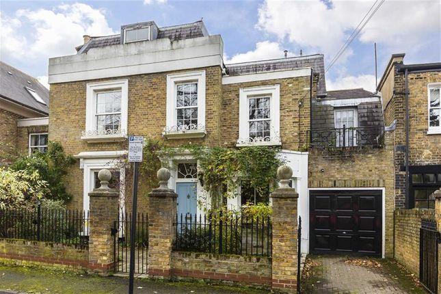 Thumbnail Property to rent in Ravenscourt Square, London