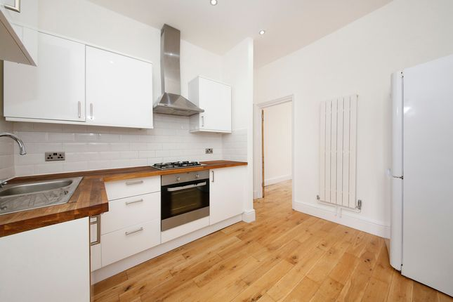 Thumbnail Flat to rent in Eddystone Road, Brockley, London