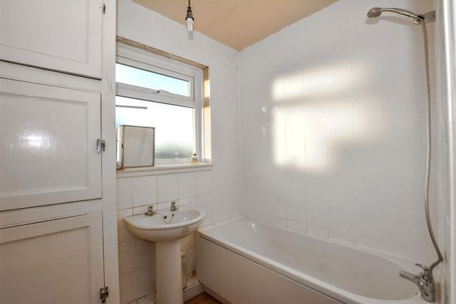Bathroom of Eardley Road, Heysham, Morecambe LA3