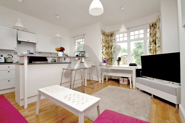 Thumbnail Maisonette to rent in Lightfoot Road, Crouch End