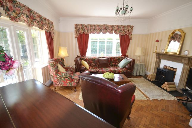 Living Room of St. Clears, Carmarthen SA33