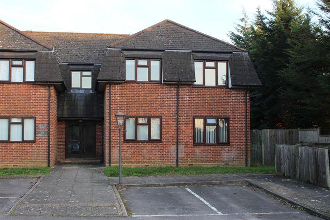 Thumbnail Flat to rent in Spencers Court, Lemon Grove, Whitehill