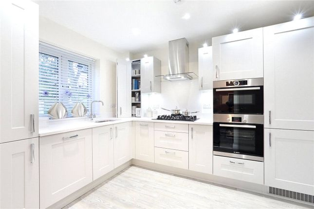 Thumbnail Flat for sale in Maryland Place, Townsend Drive, St Albans, Hertfordshire