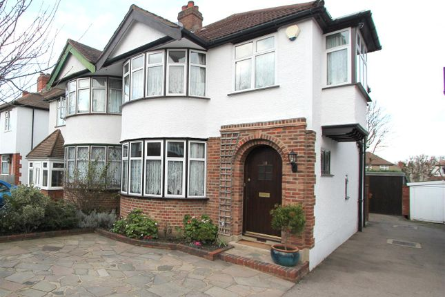Thumbnail Property for sale in Collyer Avenue, Croydon