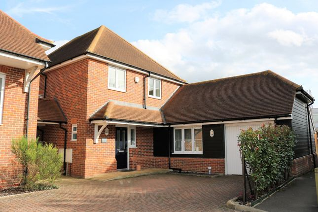 4 bed detached house for sale in Wirethorn Furlong, Haddenham, Aylesbury