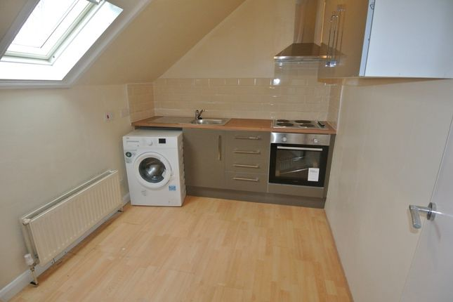 Thumbnail Studio to rent in Ladywell Road, London