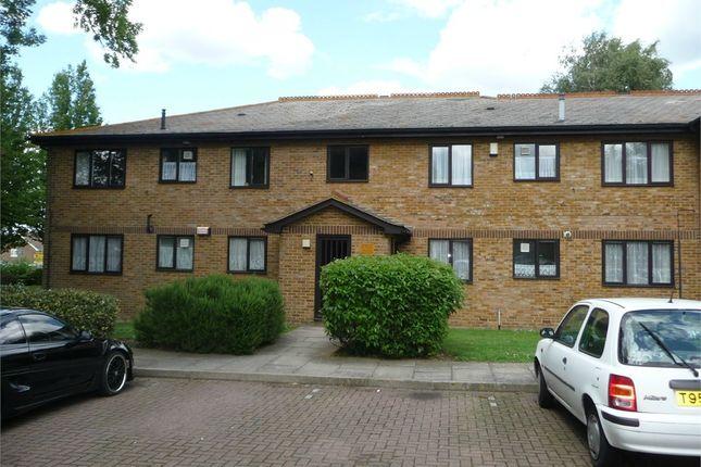 Thumbnail Flat to rent in Meresborough Road, Rainham, Kent