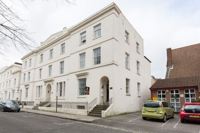 Thumbnail Flat for sale in Rockstone Lane, Southampton