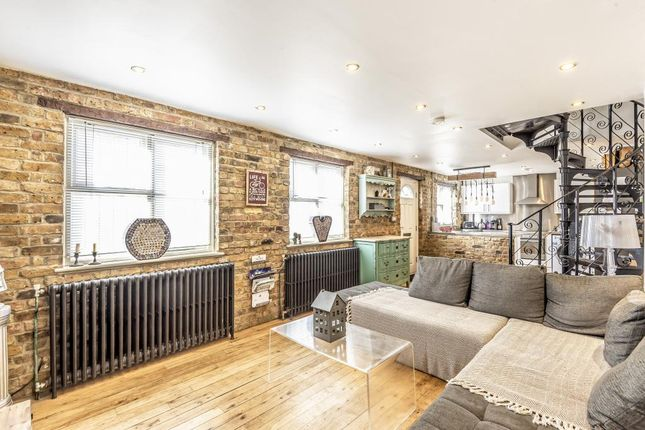 Mews house for sale in Coach House Mews, High Street, Bromley