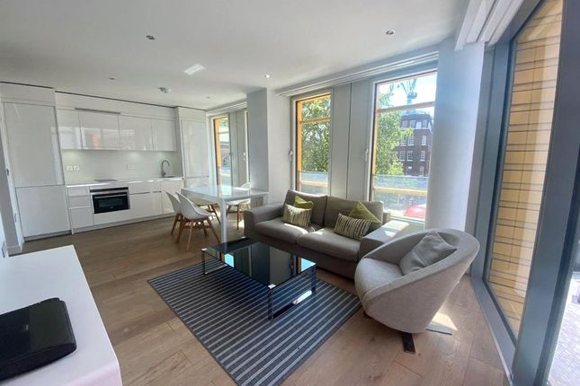 1 bed flat to rent in Central St. Giles Piazza, London WC2H