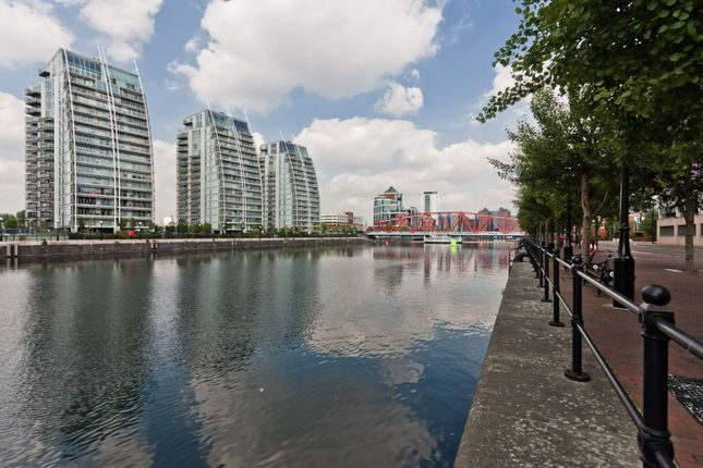 Thumbnail Flat to rent in Nv Building, 96 The Quays, Salford