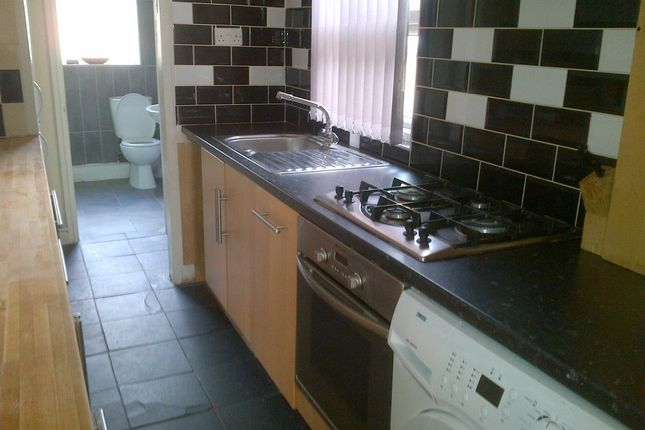 Thumbnail Terraced house to rent in Latham Road, Earlsdon, Coventry
