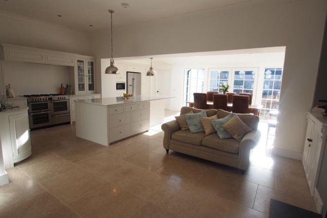 Thumbnail Terraced house to rent in Beaconsfield Place, Aberdeen
