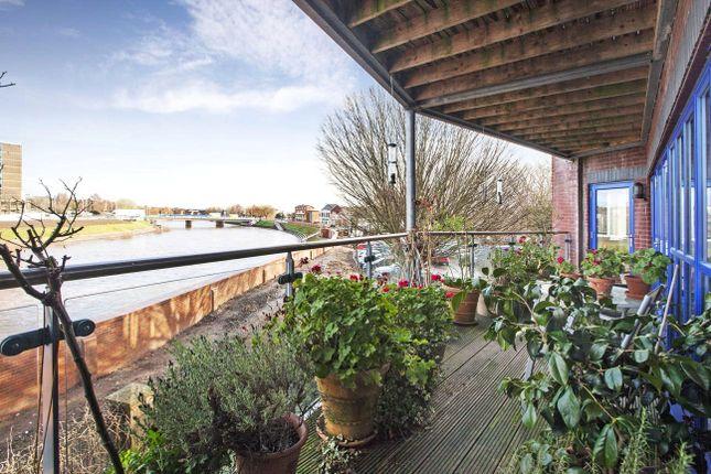 2 bed flat for sale in Flowerpot Lane, Exeter, Devon
