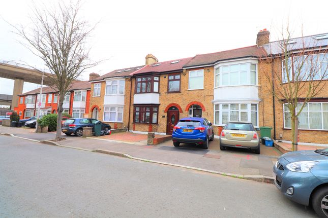 Thornwood Close, South Woodford E18