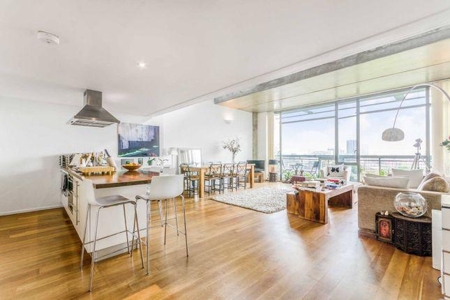 Thumbnail Flat to rent in Wenlock Road, Old Street, London