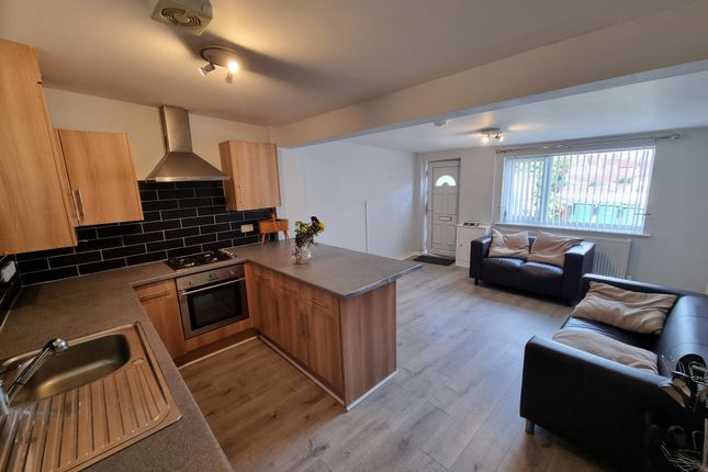 1 bed flat to rent in North Parade, Hoylake, Wirral CH47