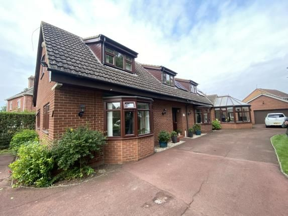 Thumbnail Bungalow for sale in Thornaby Road, Thornaby, Stockton-On-Tees