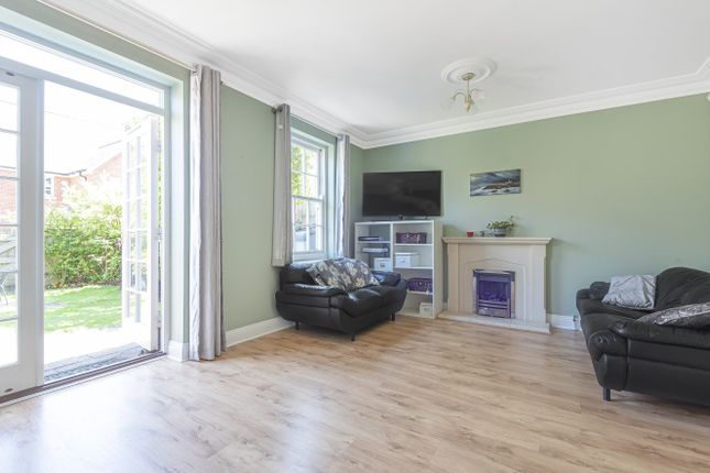 Thumbnail Terraced house for sale in Cayton Road, Coulsdon